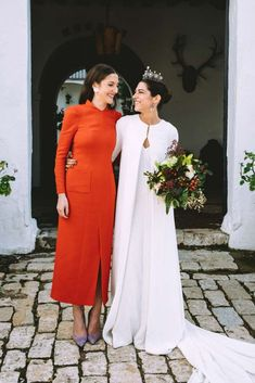 La boda de Montse y Diego en Sevilla | Casilda se casa Simple Bridesmaid Dresses, Bridesmaid Outfit, Bridal Dresses, Bridesmaid Inspiration, Wedding Inspiration, Wedding Knot, Mother Of The Bride Suits, Weeding Dress, Lesbian Wedding