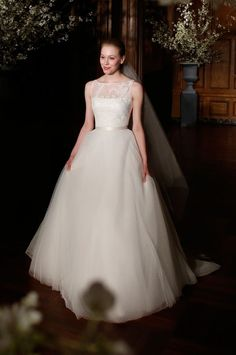 10 Gorgeous New Wedding Gowns from Legends by Romona Keveza | OneWed