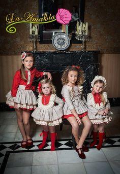 BOUTIQUE LUNA : La Amapola, esta campaña estan que rabian de diseño. Cute Little Girl Dresses, Baby Girl Party Dresses, Dresses Kids Girl, Cute Outfits For Kids, Baby Dress, Boy Outfits, Toddler Fashion, Kids Fashion, Spanish Baby Clothes