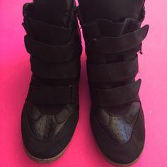 5bc64c2558e8 Nwt High Top Velcro Straps Platform Tennis Shoes