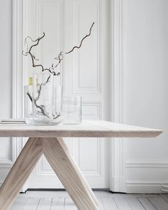 Table Ash is our finest example of Now available for worldwide shipping at www. Enjoy the weekend! Natural Interior, Simple Interior, Modern Interior Design, Beautiful Dining Rooms, Scandinavian Living, Modern Kitchen Design, Minimalist Decor, Dining Room Design, Home Decor Inspiration
