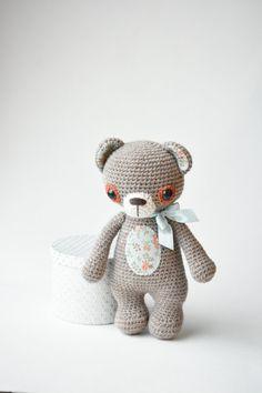 PATTERN - Treasure the Teddy - crochet pattern, amigurumi pattern, pdf by lilleliis on Etsy https://www.etsy.com/ch-en/listing/191718588/pattern-treasure-the-teddy-crochet