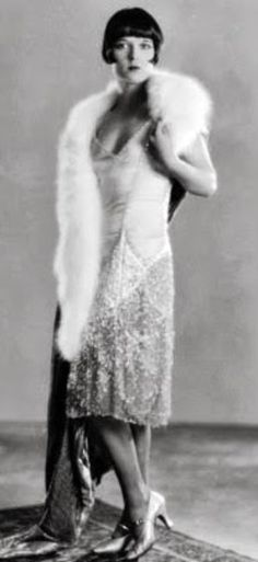Louise Brooks - Chanel Dresses - Trending Chanel Dress for sales - Louise dress by Coco Chanel.Her designs were simple but faultlessly elegant Louise Brooks, 20s Fashion, Art Deco Fashion, Vintage Fashion, Luxury Fashion, Fashion Dresses, Chanel Resort, Chanel Cruise, Chanel Brand