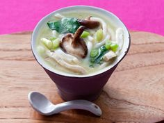 Ginger Chicken Udon with Spinach and Mushrooms - Soup Recipes