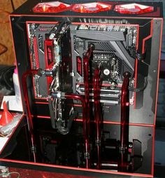Computer pc mod modification setup gaming computer rig red black