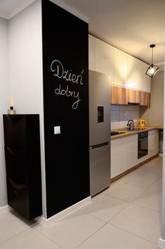 Mieszkanie Pod Wynajem Biala Kuchnia Tablicowka Home Decor Decor Home