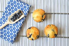 Fresh lemon blueberry muffins! Made with gluten-free flour, lactose-free quark and rice syrup as a sweetener. Only 145 calories a piece! Low FODMAP.