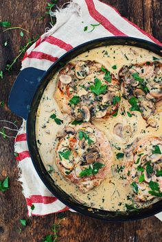 Try this classic pork chops with creamy mushroom sauce recipe. comfort food at its best. Creamy Mushroom Sauce, Creamy Mushrooms, Stuffed Mushrooms, Pork Recipes, Gourmet Recipes, Healthy Recipes, Turkey Vegetable Soup, Oven Dishes, Easy Cooking
