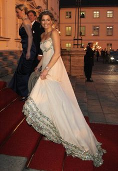 Princess Maxima of the Netherlands arrives at a state banquet at Bellevue Presidential Palace