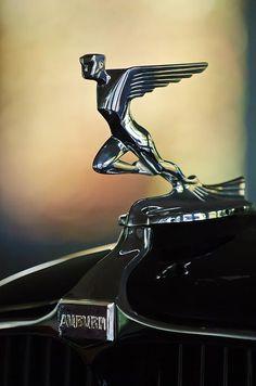 1932 Auburn 12-160 Speedster Hood Ornament