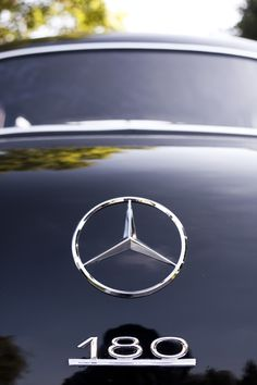 Mercedes Benz 180 logo