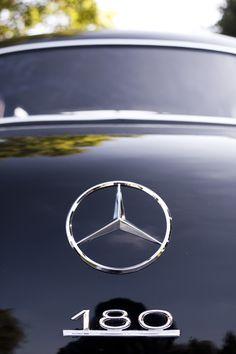 Mercedes Benz 180 logo