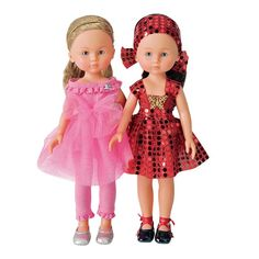 Des poupées en tenue de soirée