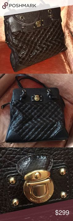 Marc Jacobs brown large Quilted bag made in Italy Authentic Marc Jacobs Quilted bag made in Italy brown leather inside green leather lining beautiful bag , thank you Marc Jacobs Bags Shoulder Bags