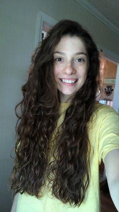 Retro Hairstyles, Girl Hairstyles, Curly Hair Styles, Natural Hair Styles, Girl Hair Colors, Curly Girl Method, Wavy Hair, Curls, Hair Beauty