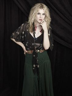 American Horror Story Coven Lily Rabe as Misty Day Looking Like Stevie Nicks Promo 8 x 10 Photo Coven Fashion, 70s Fashion, Gothic Fashion, American Horror Story Coven, Misty Day, Best Mens Fashion, Horror Stories, Lily, Celebs
