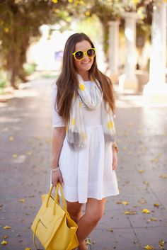 {Celine-Gap-Fashion-Style-OOTD-Spring-Summer-Yellow-Valentino-Flowers-White-Photography-Scarf}
