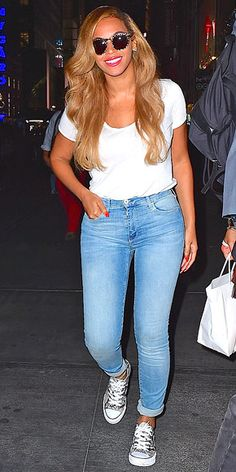 Love Her Outfit! Star Style to Steal- Beyonce is perfect in casual chic basics