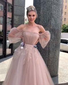 Debut Dresses, Ball Dresses, Cute Dresses, Bridal Dresses, Wedding Dress Frame, Wedding Dress Bustle, Wedding Gowns, Glitter Prom Dresses, Rara Avis