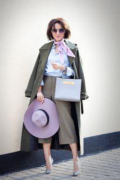 khaki+cot-khaki+culottes-balenciaga+bag-light-blue-shirt-outfit