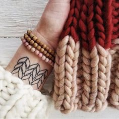 """WAK 🐑✌🏻 ( on IG: """"Stockinette stitch for life 💪🏻💋 Stitch Tattoo, Tattoo Shows, Tattoos Gallery, Stockinette, All Tattoos, Color Combos, Tatting, Piercings, Quilts"""