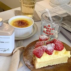 Discovered by Find images and videos about food, aesthetic and cake on We Heart It - the app to get lost in what you love. Momento Cafe, Good Food, Yummy Food, Cafe Food, Aesthetic Food, No Cook Meals, Food Pictures, Puddings, Food Inspiration