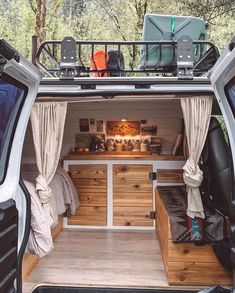 Build A Camper Van, Camper Van Life, Convert Van To Camper, Car Camper, Van Conversion Interior, Camper Van Conversion Diy, Vw Camper Conversions, Diy Van Conversions, T3 Vw