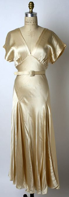 silk american evening dress. loving the bias cut, the seaming, the belted waist. beautiful in motion. (holly harp - 1973)
