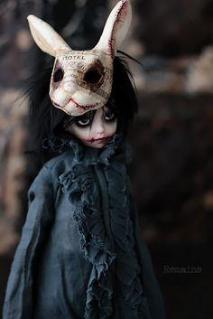 Remains bjd — 廃ホテルを彷徨う小さな幽霊