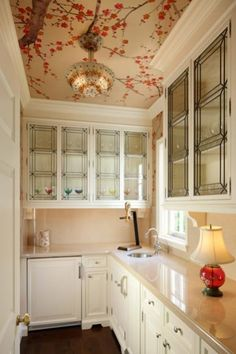Love this butler's pantry, especially the ceiling!
