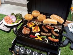 Check out the 15 best grilling hacks to make your BBQ awesome part 1 to learn the best barbecue hacks and grilling tricks for your next barbecue. Healthy Recipes For Weight Loss, Quick Recipes, Healthy Foods To Eat, Cheap Recipes, Backyard Barbeque, Summer Barbecue, Barbecue Grill, Grilling Tips, Grilling Recipes