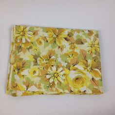 VTG Pillowcase Yellow Floral Flower Power Springmaid Marvelaire Retro Bedding #Springmaid