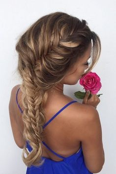 In love with this beautiful and feminine fishtail french braid ♥ Ashley Bloomfield is wearing her Dirty Blonde Poersh to add length and thickness to this look ♥ Short Hair Styles Easy, Short Hair Updo, Fancy Hairstyles, Braided Hairstyles, Luxy Hair Extensions, Hair Dos, Gorgeous Hair, Hair Inspiration, Hair Makeup