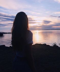 Tumblr Photography, Sunset Photography, Girl Photography Poses, Sunset Pictures, Beach Pictures, Image Swagg, Profile Pictures Instagram, Silhouette Photography, Shadow Pictures