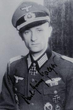 Hauptmann d.R. Karl-Heinz Jaeger (1914-1992), Führer Grenadier Regiment 448, Ritterkreuz 04.08.1943, Eichenlaub (786) 16.03.1945