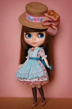 Blythe doll wears a hat :)