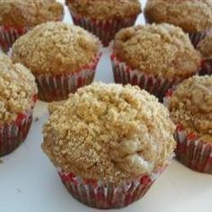 Check out this delicious cooking,  learn how this Banana Crumb Muffins is made