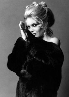 Brigitte Bardot for Blackglama, 1970. Photo: Richard Avedon. (Miss Bardot would not wear fur today, of course.)