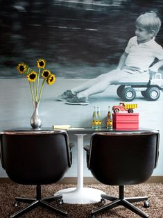 The experts at HGTV.com show how to personalize a kid's bedroom wall with a photo mural.