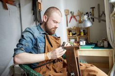 Artisan Jonatan Staniec explains how he ended up making his beautiful hand-made range of leather products from his home in North London