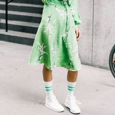 Love sneakers but not sure how to dress them up? These outfit ideas will come in handy.