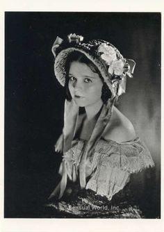 CLARA BOW POSTCARD Silent Screen Film Sexy Actress It Girl James Abbe 1922 Repro
