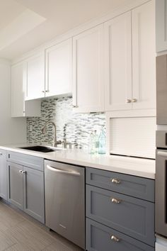 Kitchen. straight shaped two toned cabinets in kitchen with grey and white on faux wood floor. Exotic Style Of Two Toned Cabinets In Kitchen Give New Exotic Taste