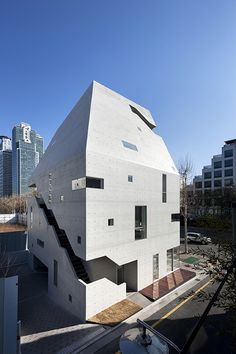 Persona by Archium as Architects