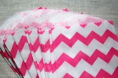 Hey, I found this really awesome Etsy listing at http://www.etsy.com/listing/150519577/20-bubblegum-pink-chevron-bitty-bags