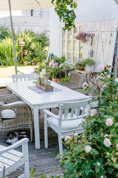 So geht Sommer oder mein Sommergarten, Pomponetti - Garden Deco Shabby Chic Interiors, Shabby Chic Homes, Shabby Chic Decor, Country Look, Shabby Chic Painting, Garden Deco, Terrace Garden, Patio Plants, Garden Cottage