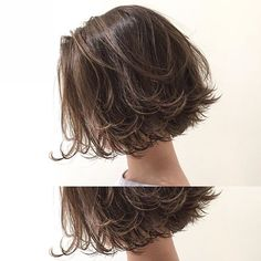 Do you like your wavy hair and do not change it for anything? But it's not always easy to put your curls in value … Need some hairstyle ideas to magnify your wavy hair? Wavy Bob Hairstyles, Pretty Hairstyles, Medium Hair Styles, Curly Hair Styles, Shot Hair Styles, Hair Arrange, Corte Y Color, Hair Type, Wavy Hair