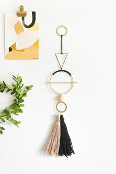 DIY Geometric Metal Wall Hang | Sugar & Cloth DIY Home Decor