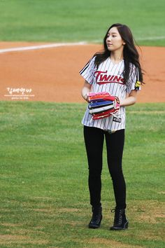 SNSD TaeYeon @ First Pitch