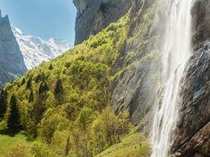 Schweizer Wasserfälle: Naturspektakel und Abkühlung im Sommer Viria, Future Travel, Switzerland, Hiking, Outdoor, Destinations, Mont Blanc, Hill Walking, Swiss Alps